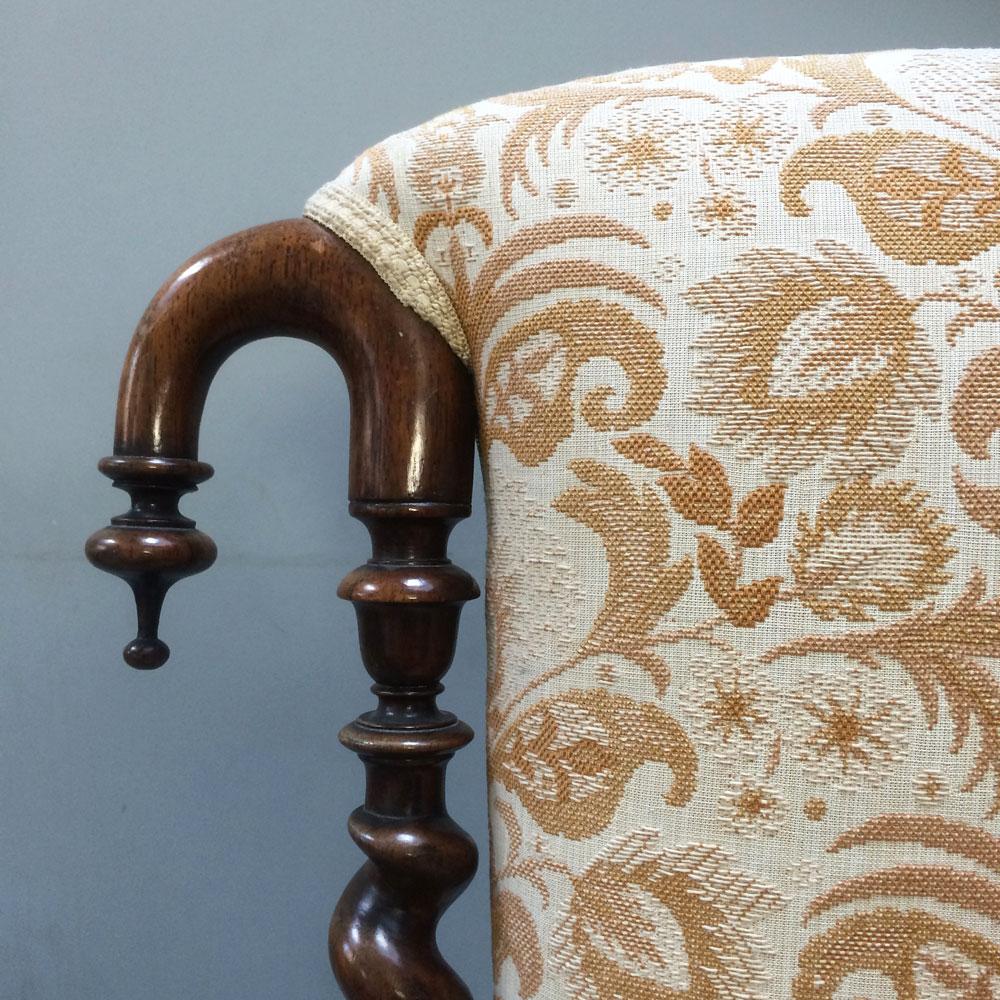 Prayer-chair-detail-top-left-corner-wood-carving-Napoleonrockefeller